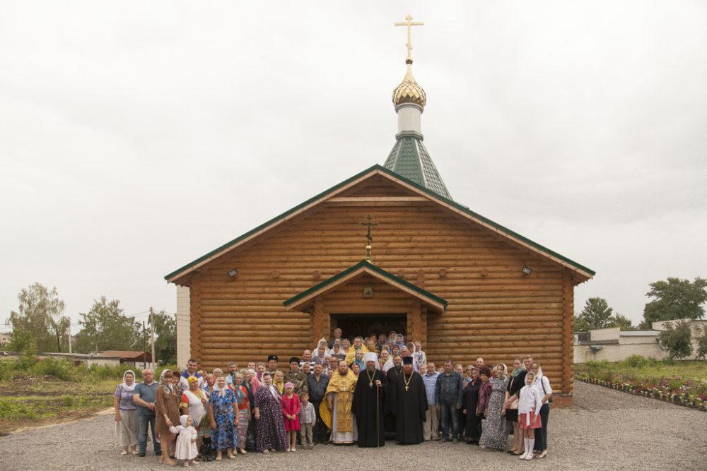 "Казаки и казачки ""Союза донских казаков"" на открытии храма-1."