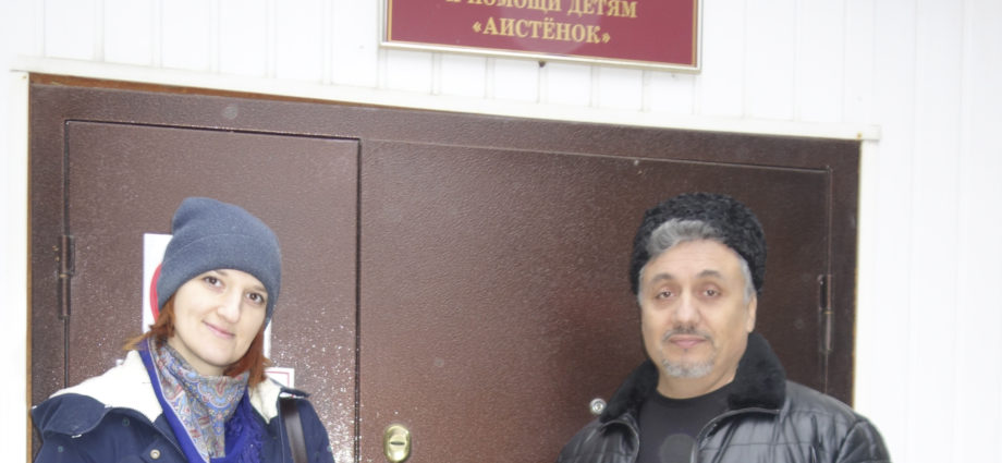 """""""Союз донских казаков"""" привёз подарки в центр """"Аистёнок"""" города Мичуринска."""