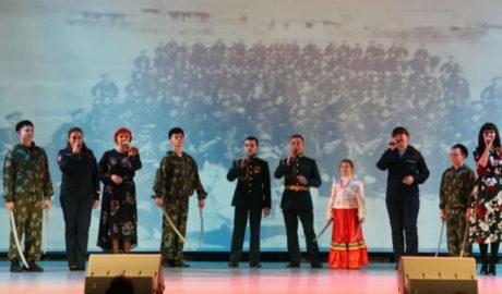 Казачата выступили среди ветеранов ВОВ.