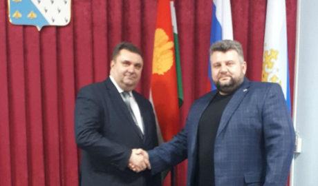 Казаки НФО встретились с главой Медынского района.
